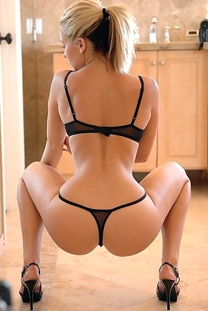 Free Big Ass Perfect Body Porn Pictures